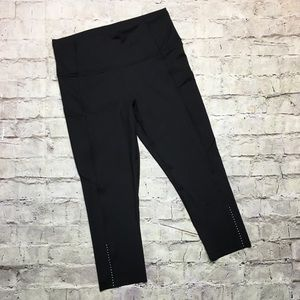 NWOT Fast and Free Crop II *Nulux *Reflective